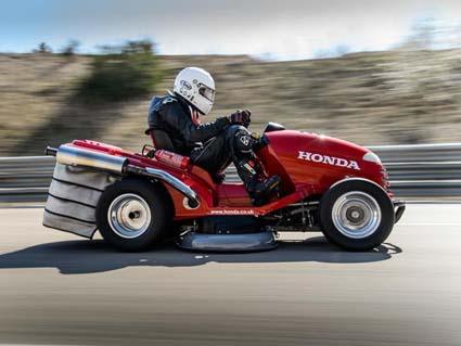 Косачка на Honda с рекорд на Гинес – вдига 190 км/ч!