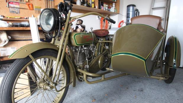 20 години за възстановяване на старинен Harley-Davidson