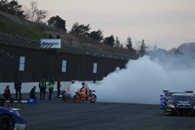 Маркес и Педроса бяха на Деня на благодарността на Honda Racing