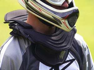 neckbrace-399-75_b.jpg