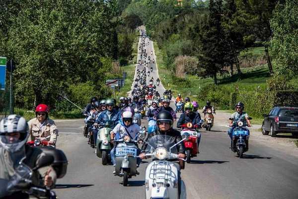 Над 3000 скутера от 38 страни се събраха за 13-ото Vespa World Days