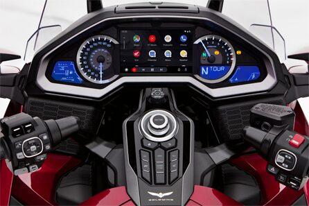 Honda обяви интеграция с Android Auto за модела Gold Wing