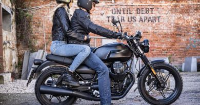 Moto Guzzi пуска юбилеен V7 в две версии – Stone и Special