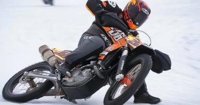 Калио си счупи крака при катастрофа в състезание на лед